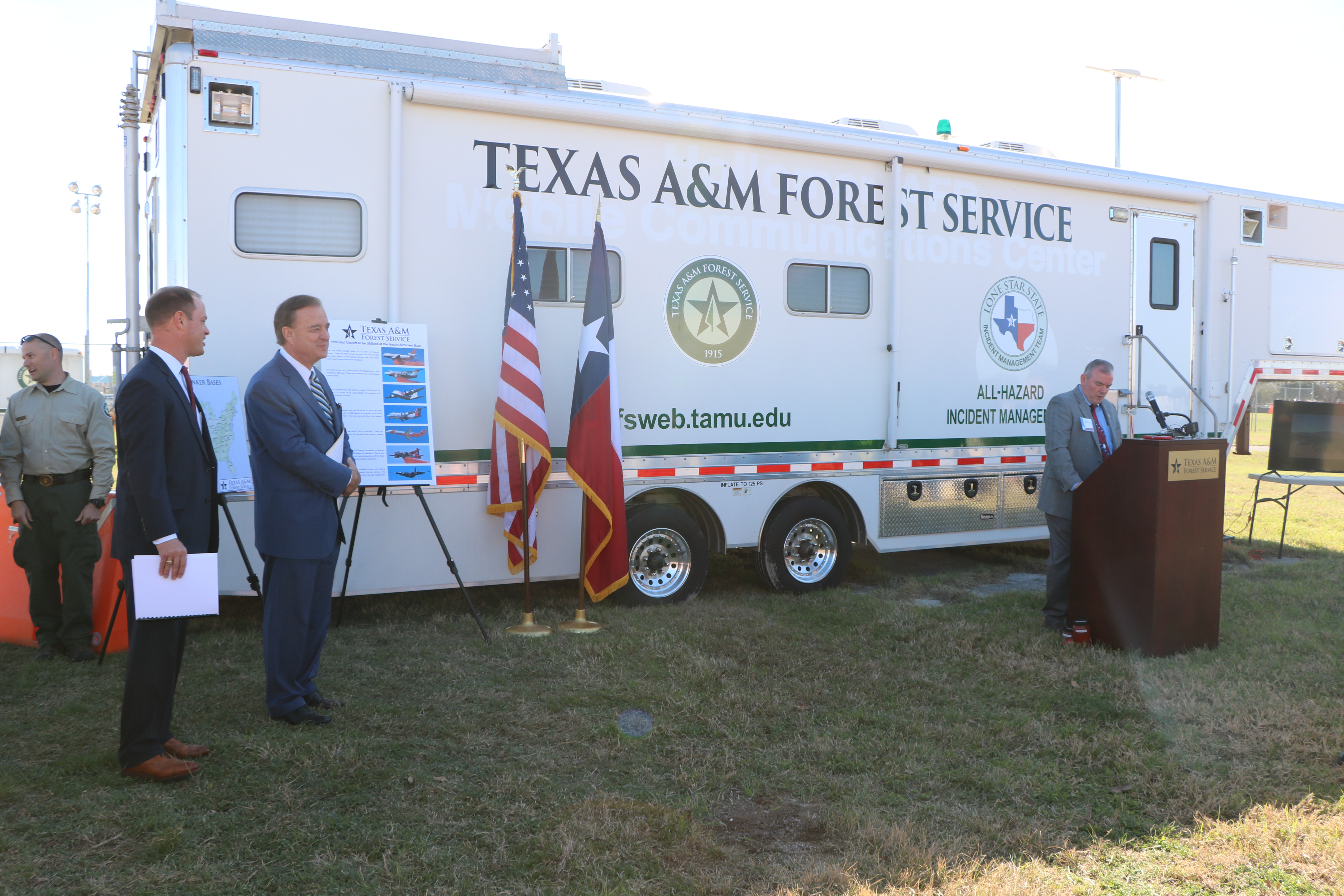 <p>Feb.