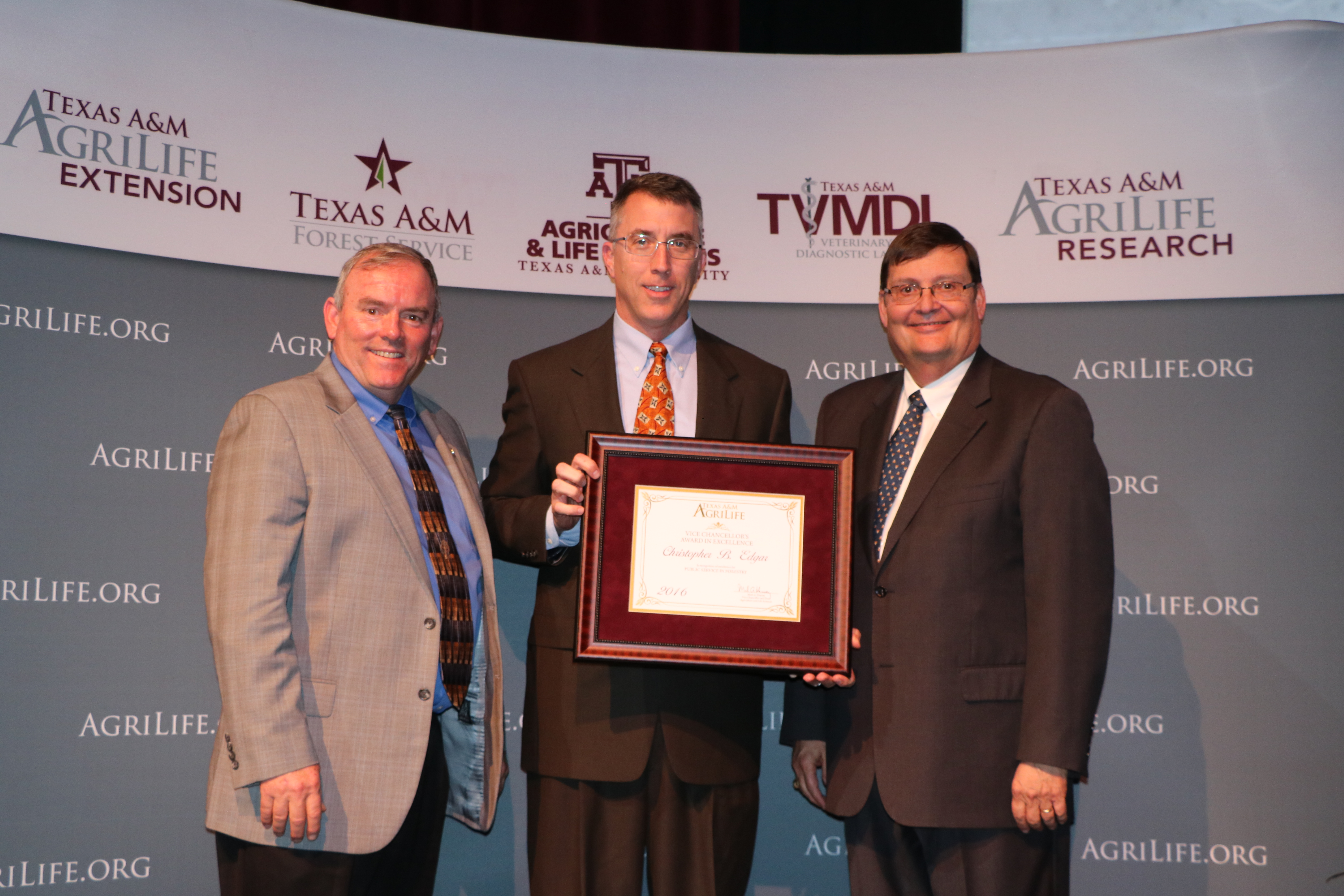 <p>   FOR IMMEDIATE RELEASE 
