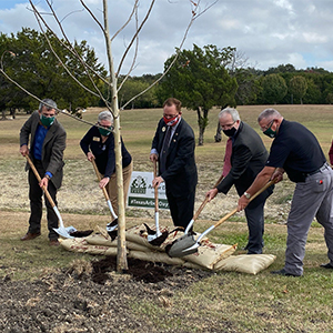 Texans from across the state gathered today in the City of Harker Heights to celebrate Texas Arbor Day and grow new Texas traditions.